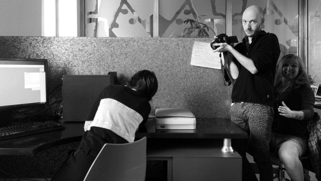 Les blagues douteuses et ancestrales... Céline Guichard, Elric Dufau et Julie Maroh (Photographie d'Alain François)